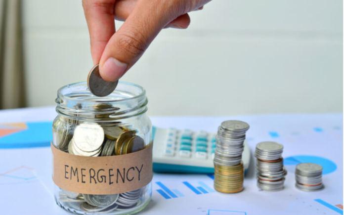 Sisihkan dana darurat dari gaji sejak awal