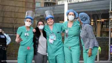 الممرضون يعانون ضغطا في ظل انتشار كورونا