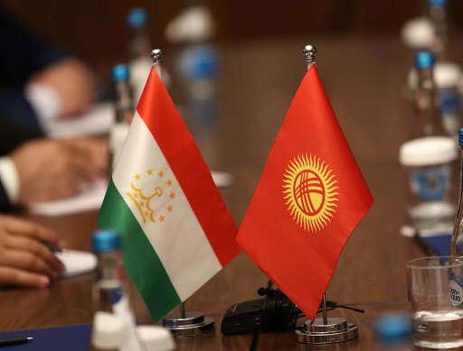 Коронавирус мешает договориться Кыргызстану и Таджикистану