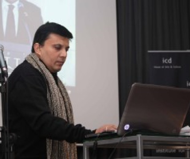 Manav Gupta. talk. at a University in Berlin | Travelling Trilogy 2010 USA, Europe & Middle East