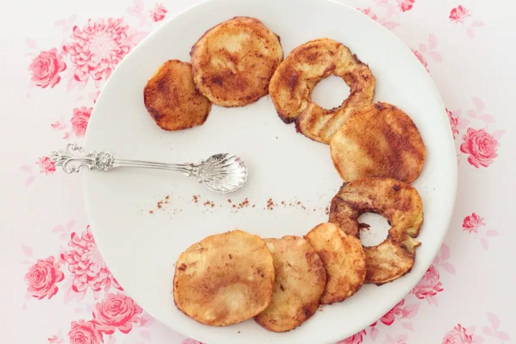 Goûter sans gluten : pommes à la cannelle