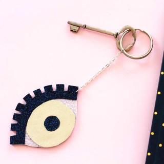 DIY porte-clés ananas et «oeil porte-bonheur» graphic