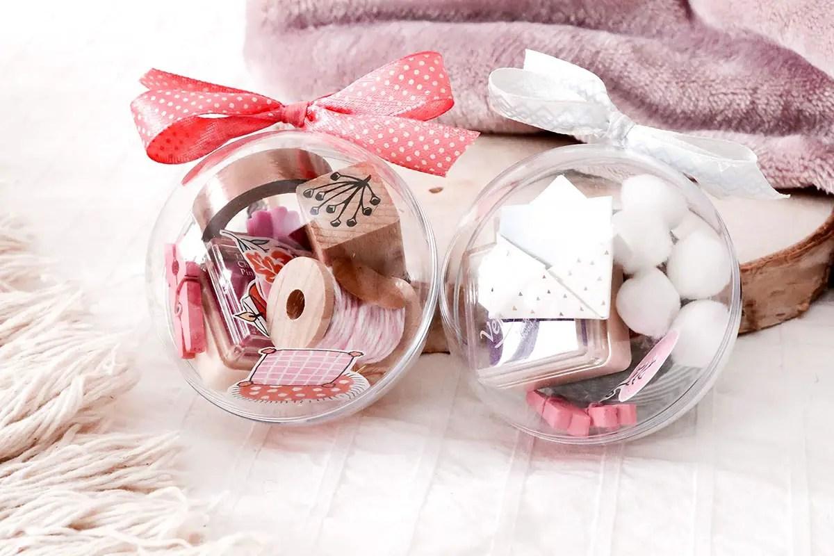 Idée cadeau DIY : des boules de Noël façon «oeuf surprise» !
