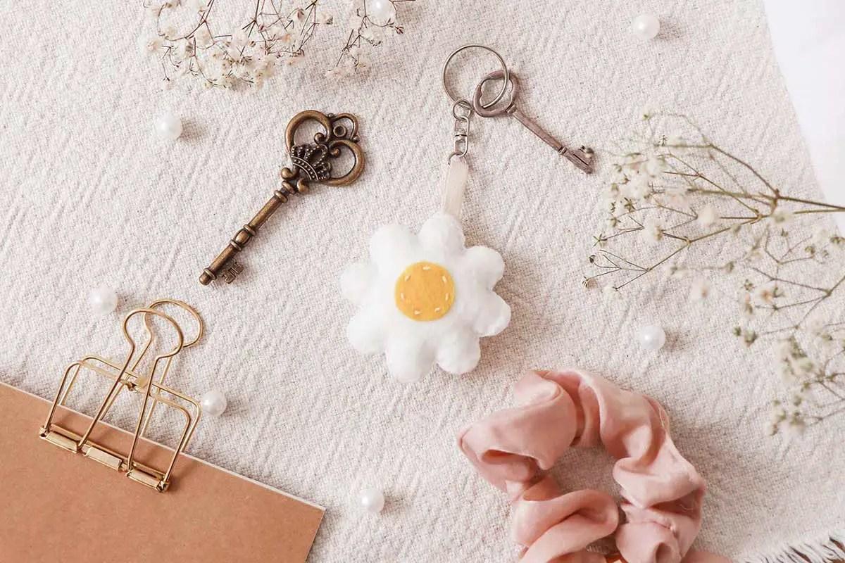 Porte-clé fait main en forme de fleur