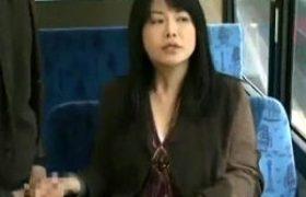 四十路の肉食若妻が公衆便所で不倫相手とガクガク痙攣一発やる!浅井舞香