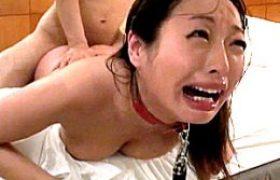 女医マジ泣き。罵倒され強烈一発やるで潮吹き痙攣マジイキw精子を飲み干すド変わり者!山本美和子