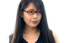 メガネ中年女性の家庭教師が未挿入生徒に寝取られ痙攣イカされまくる!三浦恵理子