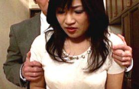 妖艶な他人妻が浮気エッチに興奮してビクビク痙攣マジイキまくる。真矢恭子