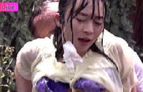 豪雨の中で生放送中の女子アナが陵辱されビクビク痙攣マジイキ狂う。羽月希