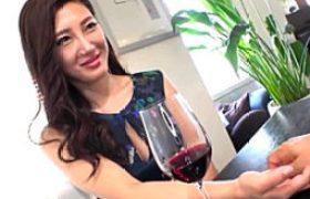 デカパイフェロモン出しまくるセレブ30代チョーキレイ妻をナンパして自宅アソコに発射エッチ。森川アンナ
