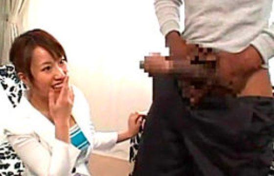 世界一の黒人巨根で中田氏され白目剥いて痙攣する女子アナ。小宮ゆい