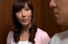 娘の旅行中に娘の男と肉体関係に堕ちたスタイル抜群の義母がビクビク痙攣マジイキ連発!澤村レイコ