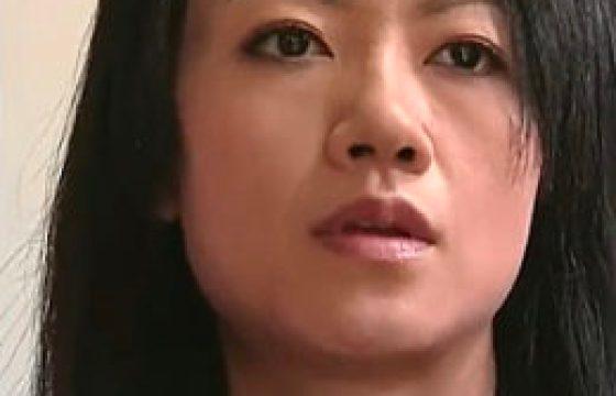 妖艶な美しい妻が絶倫オヤジにナンパされ太マラねじ込まれビクビク痙攣アクメw永井智美