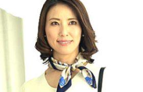 四十路美中年女性が初撮り中田氏エッチでビクビク痙攣イキまくり!水野優香