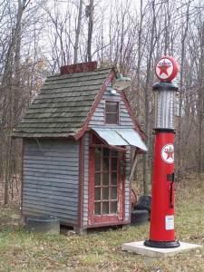 Texaco visible gas pump