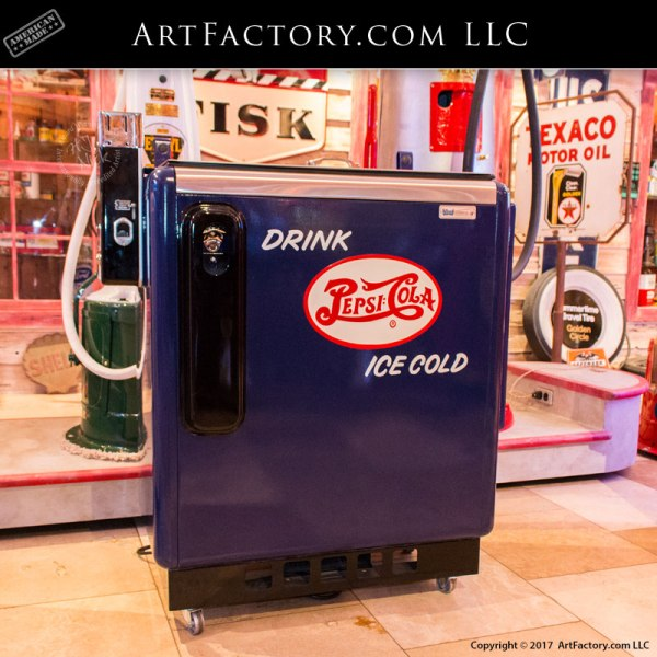 vintage pepsi machine, restored antique vending machine