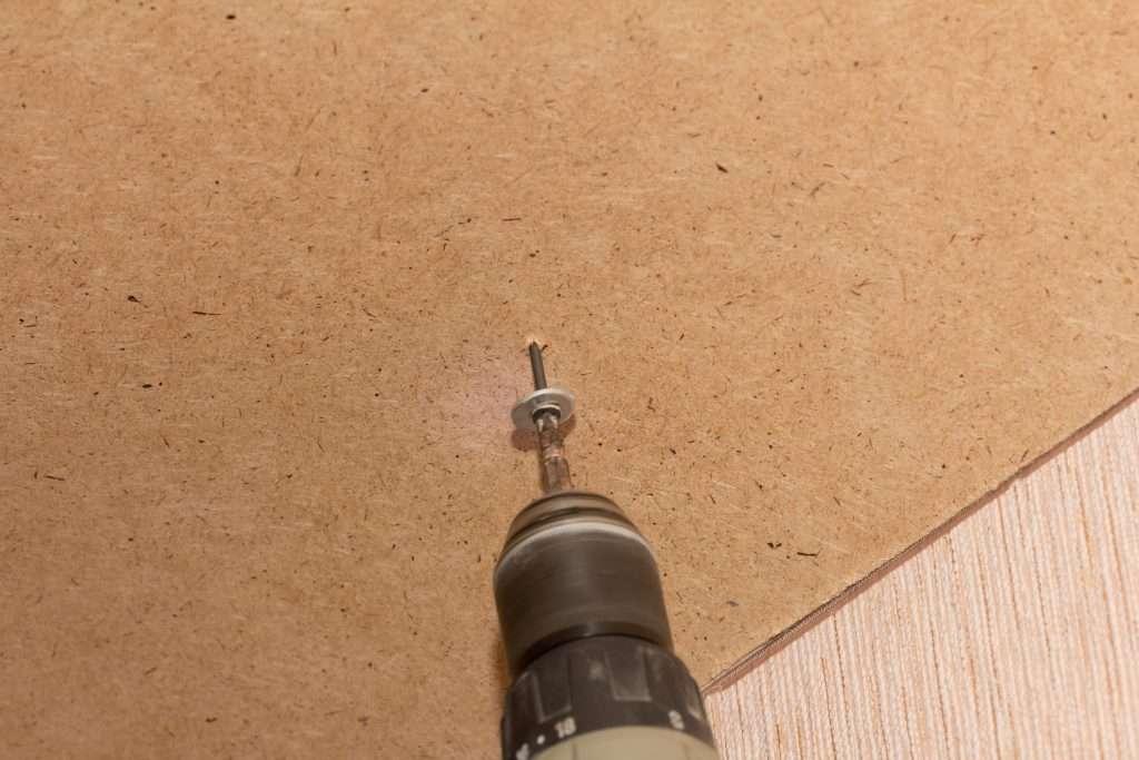 Installing Wooden Sheathing