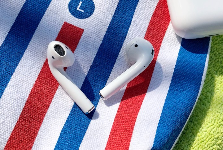 Apple AirPods Tested
