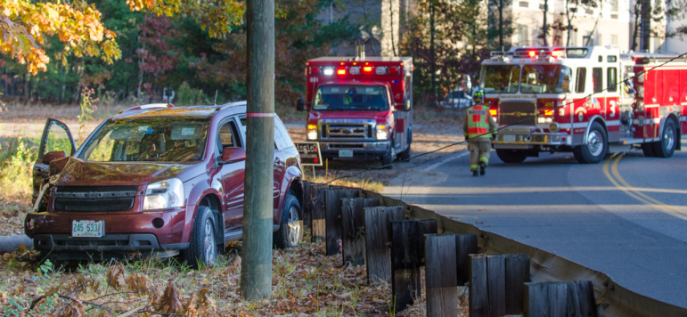 Perimeter Road accident involving a car and a pole.