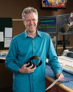 Longtime broadcaster and author – and now podcaster – Mike Morin, explores mid-life changes that redirect our path toward happiness with Reset: 40 is the New Happy podcast series.