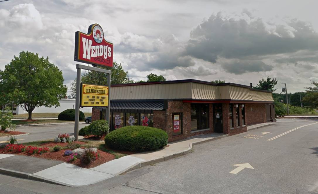 Police seeking purse-snatcher and get-away driver after Wendy's incident