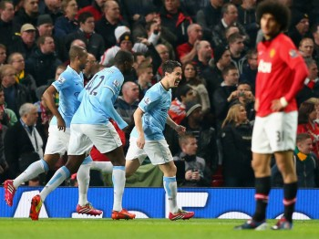 Man-United-v-Man-City-Samir-Nasri-of-Manchest_3107582