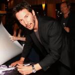 Keanu Reeves è mancino