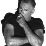 Bruce Willis è mancino
