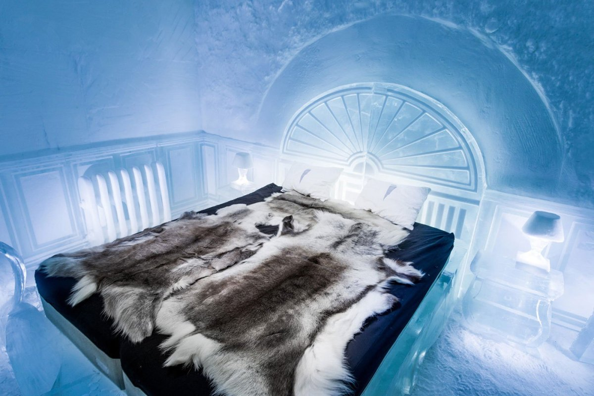 worlds-first-permanent-ice-hotel-7