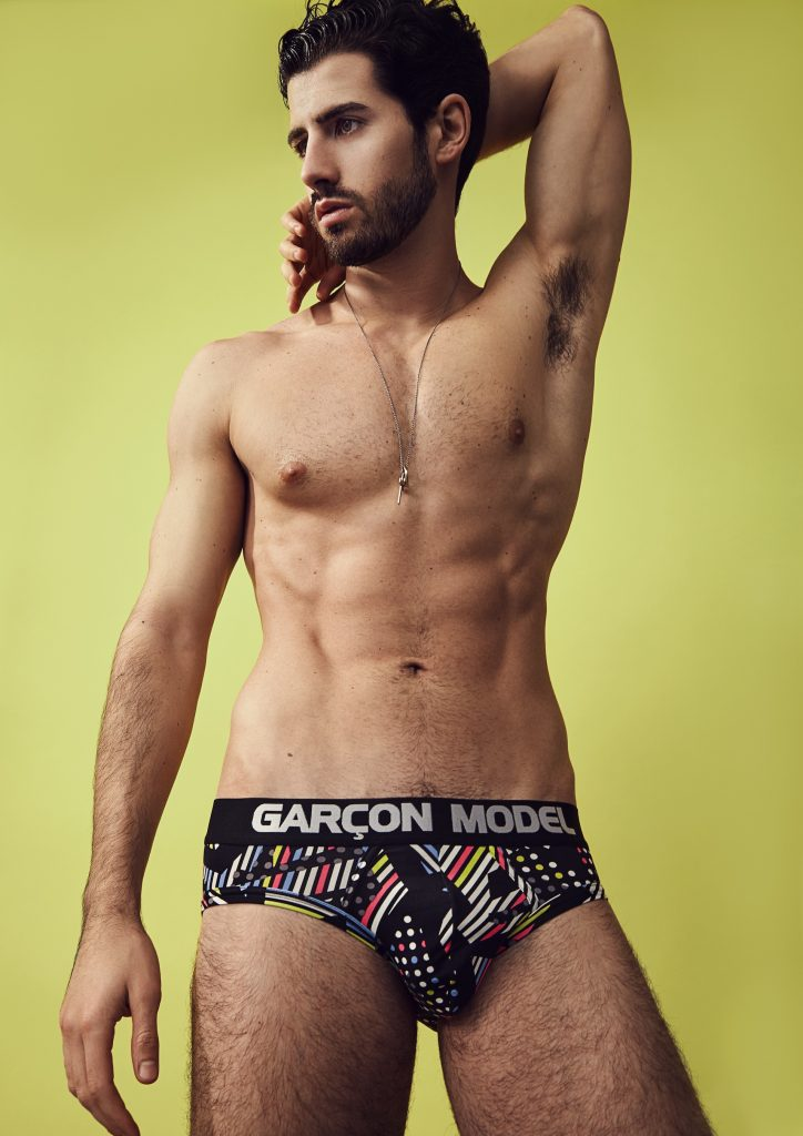 Riccardo sporting Garçon Model Galaxy