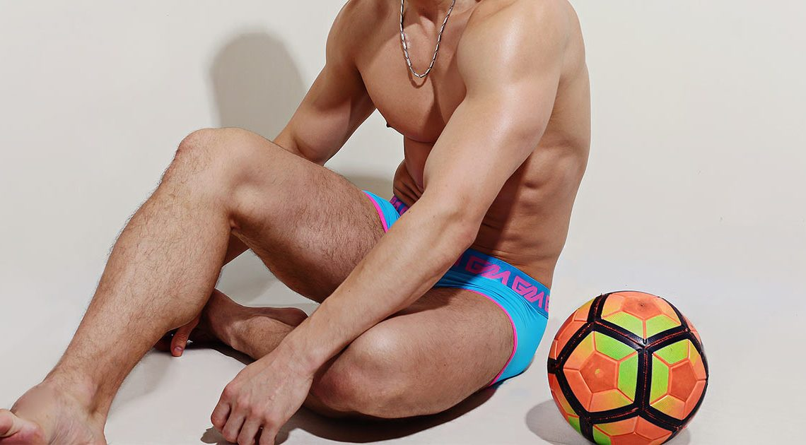 Check out this hot dude in Garçon Model