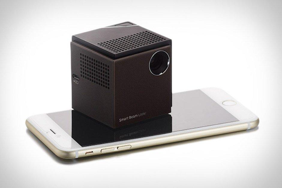 UO Smart Beam Laser Projector Beamer 720p Würfel klein iPhone