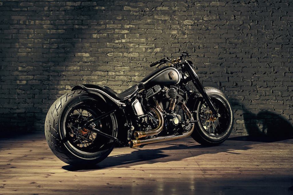 harley-softail-slim-crowned-stallion-rough-crafts-rear