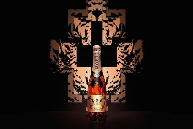 moet-chandon-nectar-imperial-rose-marcelo-burlon-lion