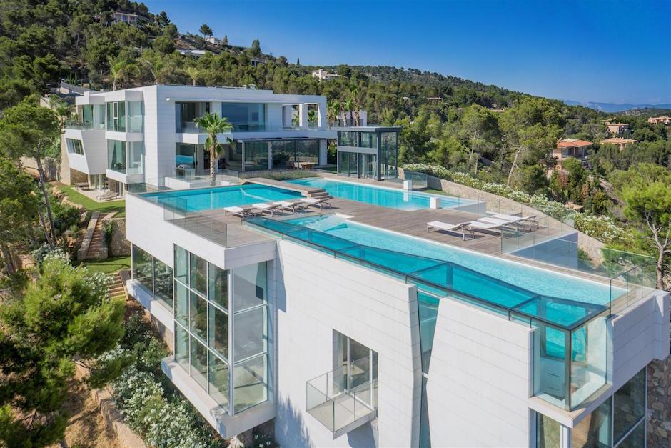 Chameleon Villa Son Vida Overview Pools Villa Luxus Traumhaus Mallorca Spanien Berg Privatsphäre Luftaufnahme