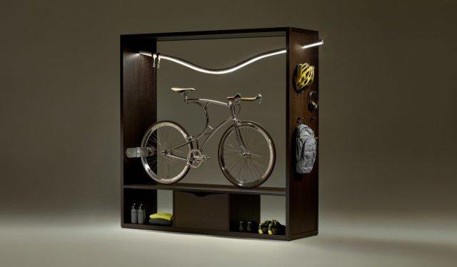 fahrrad garderobe schrank equipment helm rucksack stange