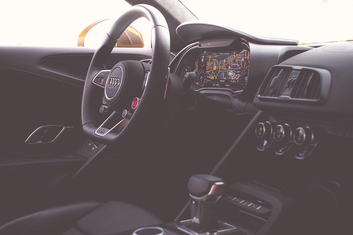 Audi R8 V10 plus Innenraum Interieur Interior Cockpit Lenkrad Leder Alcantara DSG virtual cockpit