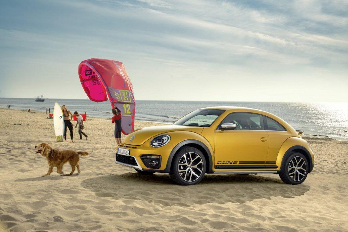 VW Beetle Dune Coupe Noordwijk Kitesurfer Gelb Himmel Strand Hund Offroad