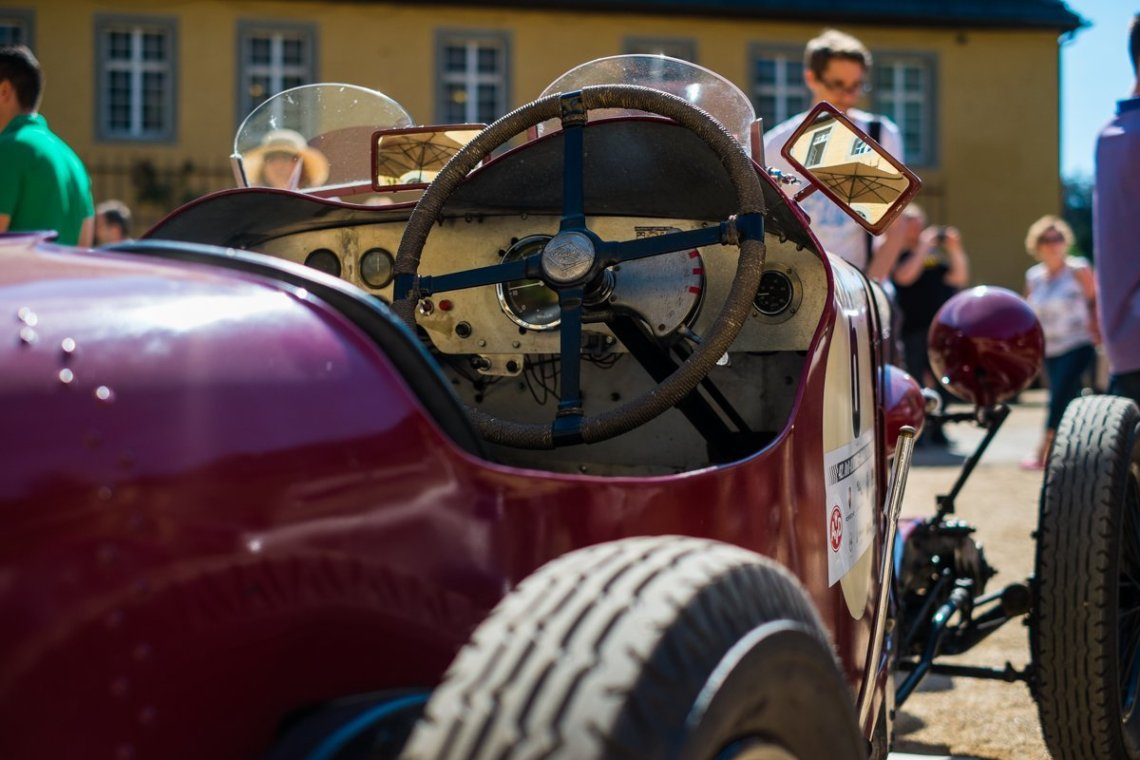 Oldtimer 1930er Classic Days rot offen