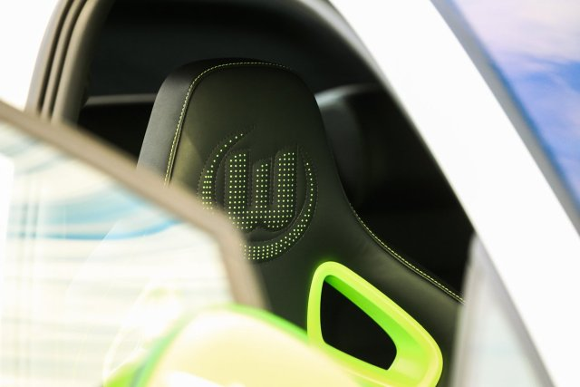 VfL Wolfsburg The Extra Mile Golf GTI Stiching Logo Genäht