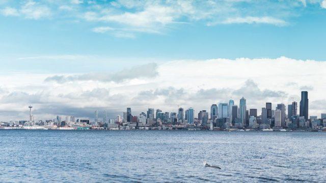Carl Zeiss Milvus 85mm f/1.4 Canon EOS 5D Mark IV Panorama Seattle Alki Beach Meer Himmel
