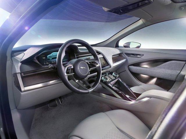 Jaguar I-PACE Concept Innenraum Interieur LA Autoshow Lenkrad Holzdekor Aluminium Cockpit Touchscreen EV