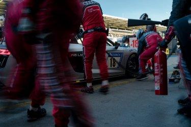 45. ADAC Zurich 24h Rennen Nürburgring Audi R8 LMS GT4 Box Pitcrew