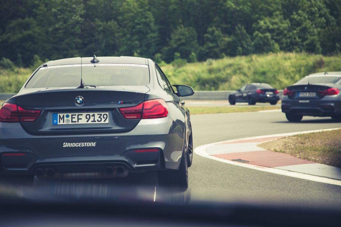 BMW M Intensive Training Bilster Berg BMW M4 F82 Curb Rennstrecke Kolonne