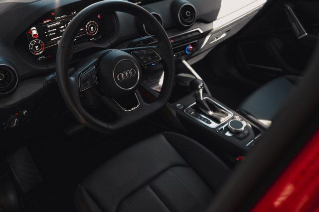 Audi Q2 sline Lenkrad Virtual Cockpit Innenraum