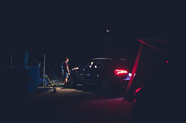 Abendessen auf dem Campingplatz in Barcelona Rücklichter