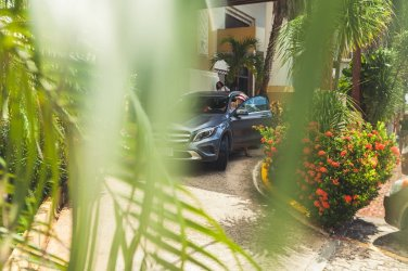 Mercedes-Benz GLA vor Hotel in Playa del Carmen