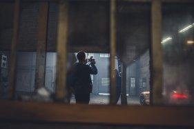 Fotograf Frau Foto Shooting Auto Hintergrund