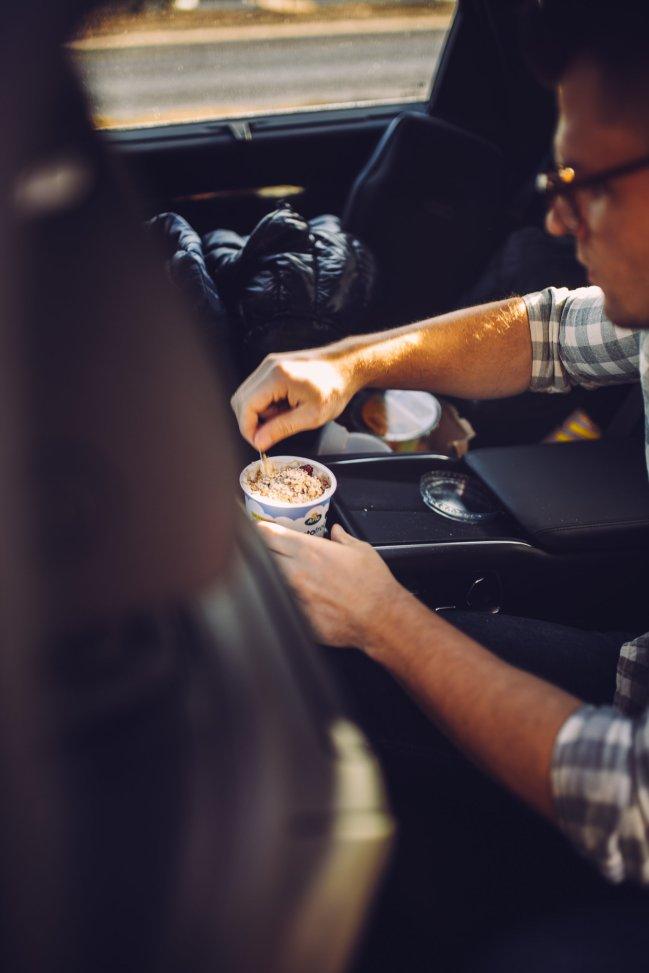 Breakfast in Car Yoghurt Oats Arms
