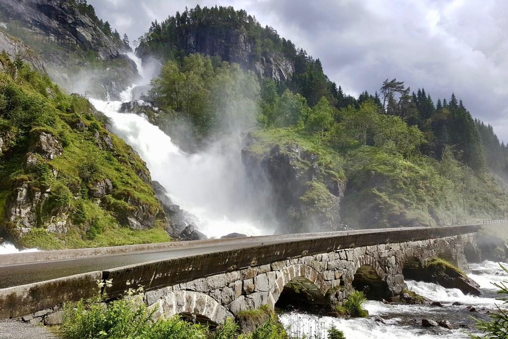 Tour Flyer Stunning Norway 3 Låtefossen Waterfall